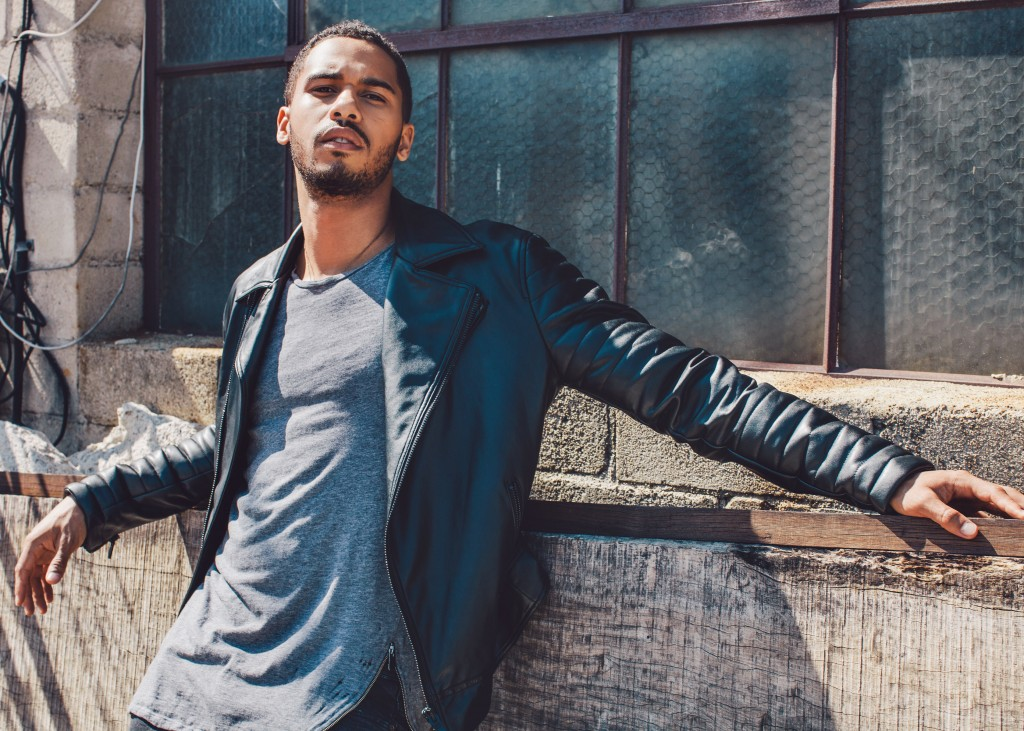 Elliot Knight Regard Magazine