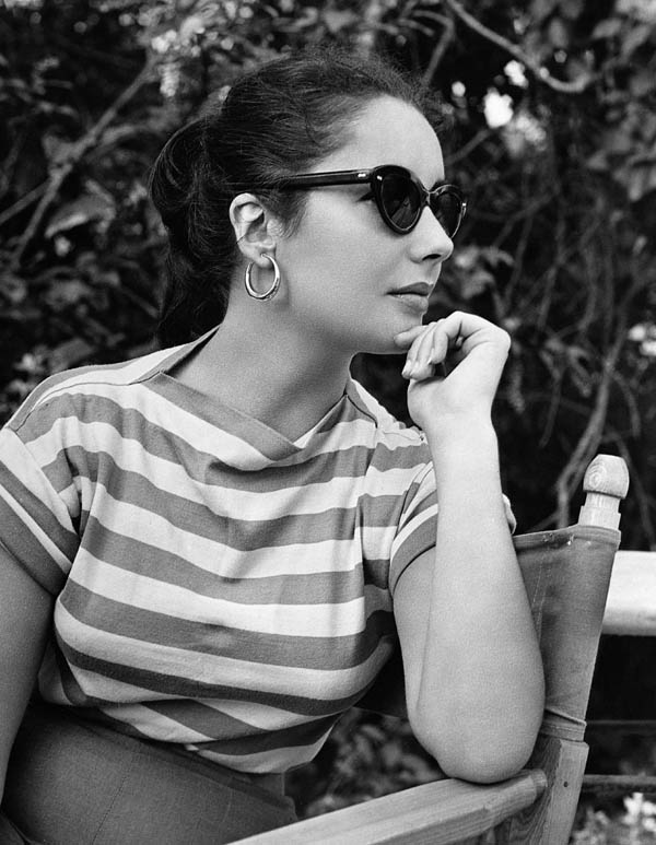 Elizabeth Taylor in cat eye shades.