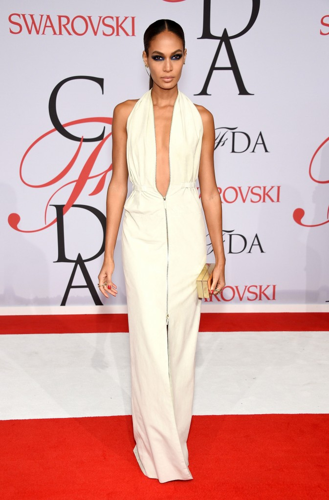 Model Joan Smalls  wears Calvin Klein at the CFDA Awards 2015 (Getty Image)