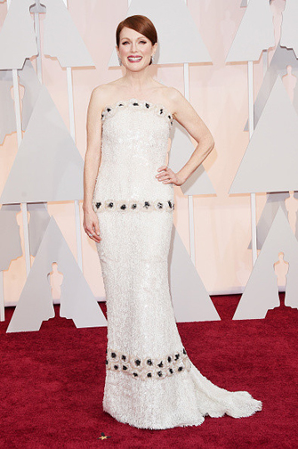 Julianne Moore in a Chanel at the Oscars 2015